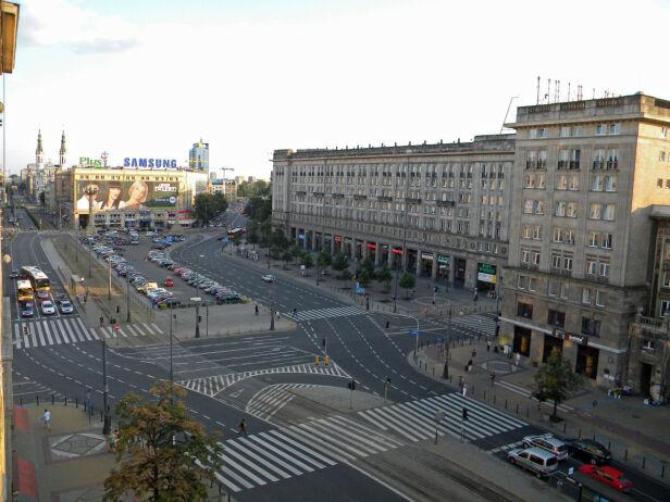Parking ma powstać pod pl. Konstytucji PlacKonstytucji /Foma wikipedia cc by-sa