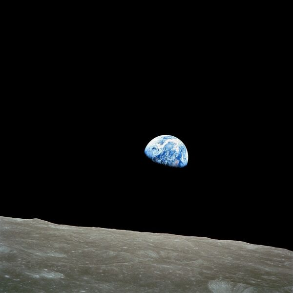 Ziemia sfotografowana w czasie misji Apollo 8 z orbity Księżyca (NASA)